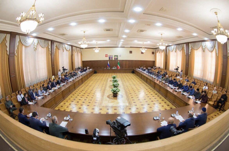 В Грозном прошло заседание оргкомитета по подготовке к празднованию 70-летия Ахмата-Хаджи Кадырова