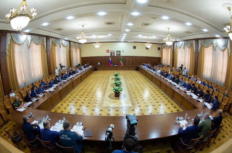 Рамзан Кадыров ознакомился с вопросами предстоящих выборов и готовности образовательных учреждений к учебному году